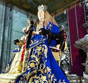 "Cofrade ""jartible"" de la Semana Santa de Sevilla"