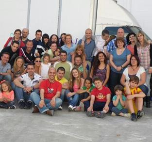 GRUPO DE CHICAS LAS COTORRAS
