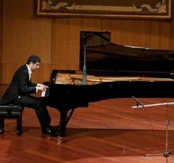 CONCIERTO: RECITAL DE PIANO DE MAESTROS EN GRAN...
