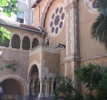 VISITA GUIADA: IGLESIA SECRETA Y PALACETES DE L...