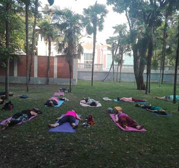 CLASE: YOGA EN EL PARQUE DEL RETIRO