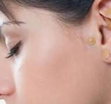 CHARLA: DIAGNOSTICO Y TERAPIA GRATUITA DE AURICULOTERAPIA