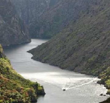 ESCAPADA: LOS ARRIBES DEL DUERO Y SALAMANCA MONUMENTAL