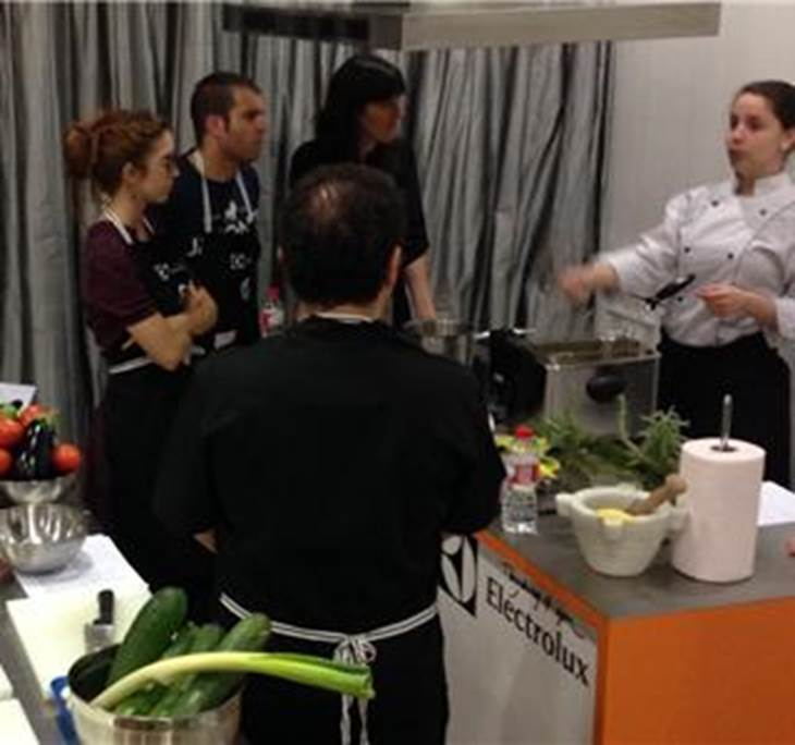 Cocina para principiantes en barcelona uolala for Cocina para principiantes