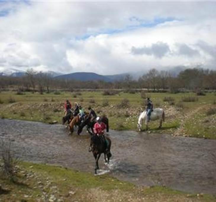 Ruta a caballo embalse de pinilla valle lozoya uolala - El valle de los caballos ...