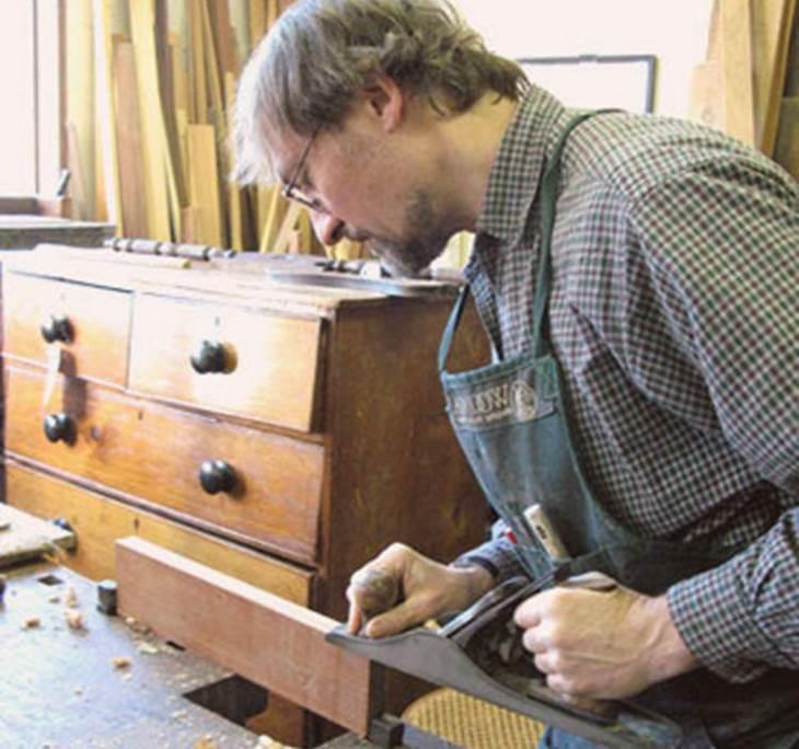 aprende a restaurar muebles en la costa blanca uolala