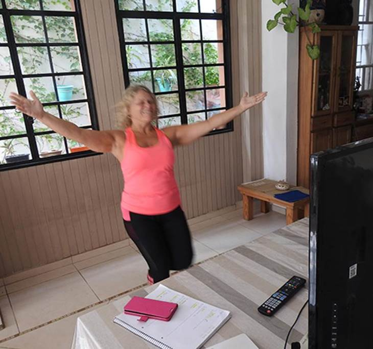 Yoga y baile Diario 15.30 aporte voluntario - pic0