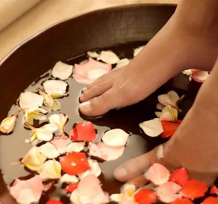 Sesi n ba o de pies relajante y depurativo peeling exfoli - Bano de pies ...