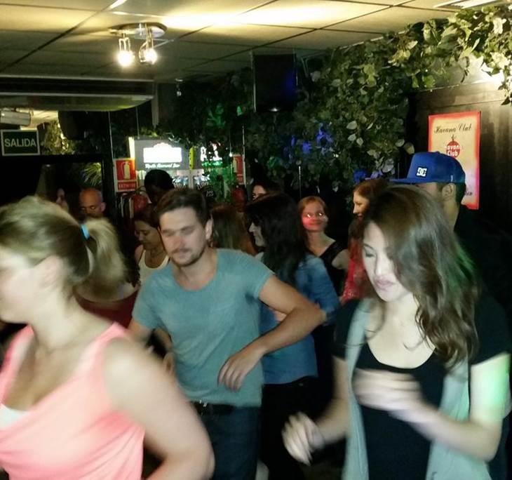 Clase y fiesta de Bachata, Salsa y Zumba GRATIS - pic3