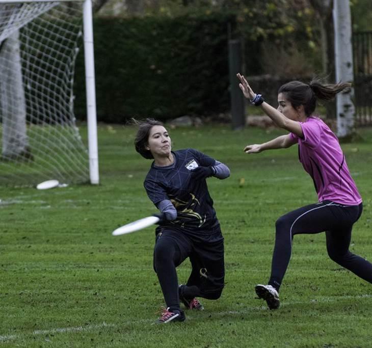 Conoce el Deporte de Ultimate frisbee con Magnum - pic1