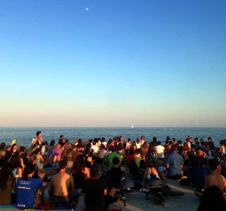 Meditación gratis frente al mar - pic0