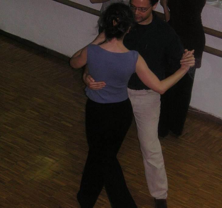 Práctica asistida de tango. Ven y mejora tu baile. - pic1