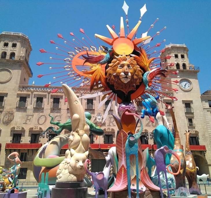 Hogueras de Alicante, Elche, paella y playa - pic0