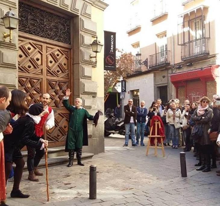 Teatro cómico callejero en el Barrio de las Letras - pic0