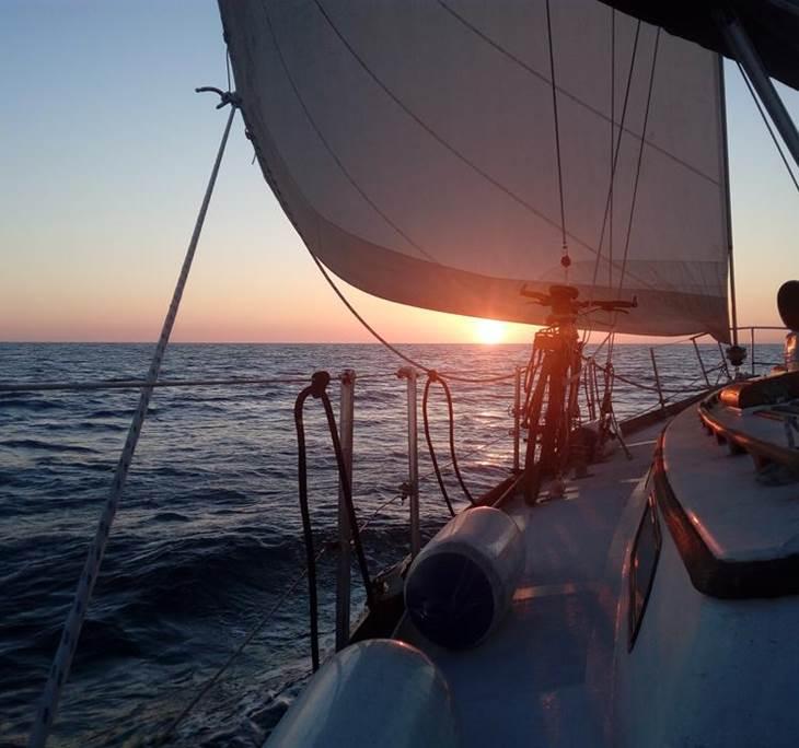 Sortim a navegar amb la lluna plena - pic0