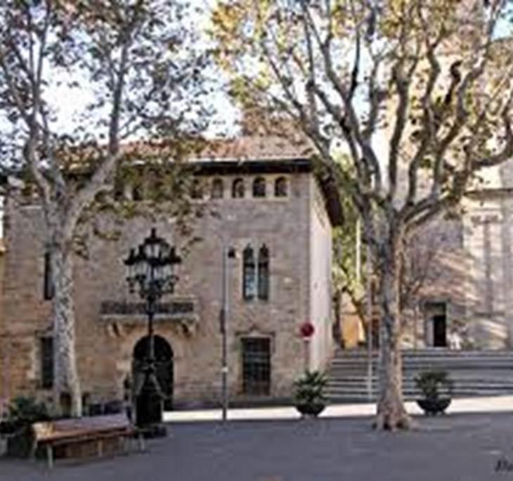 TOUR  POR LA VILA DE SARRIA- - pic0