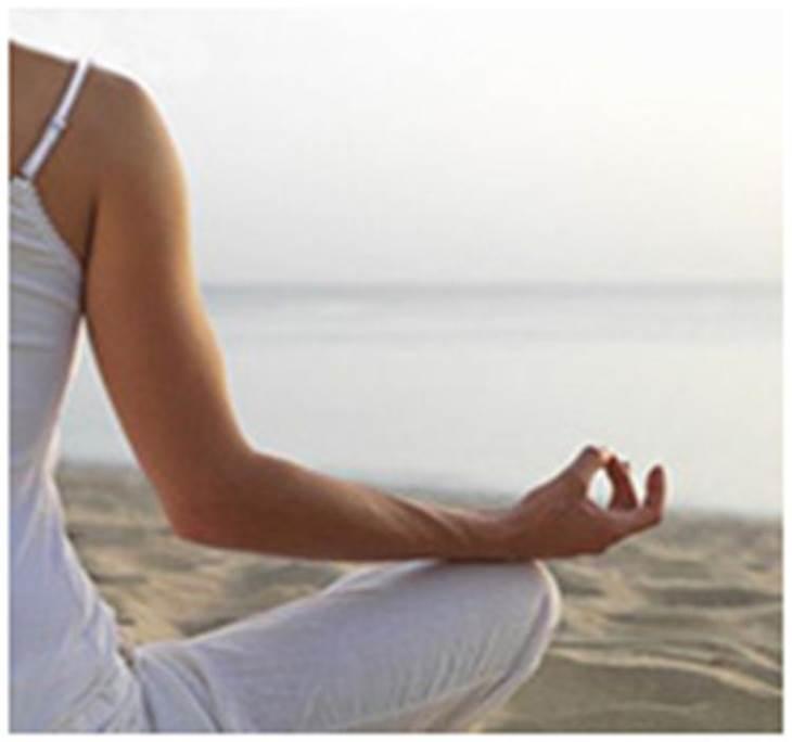 yoga en la playa - pic1